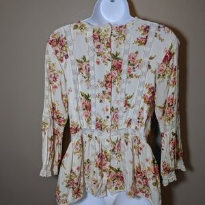 Chelsea & Violet Tops - Chelsea & Violet Flower and Lace blouse size S